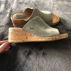 Grey suede wedge platform sandals, size 7